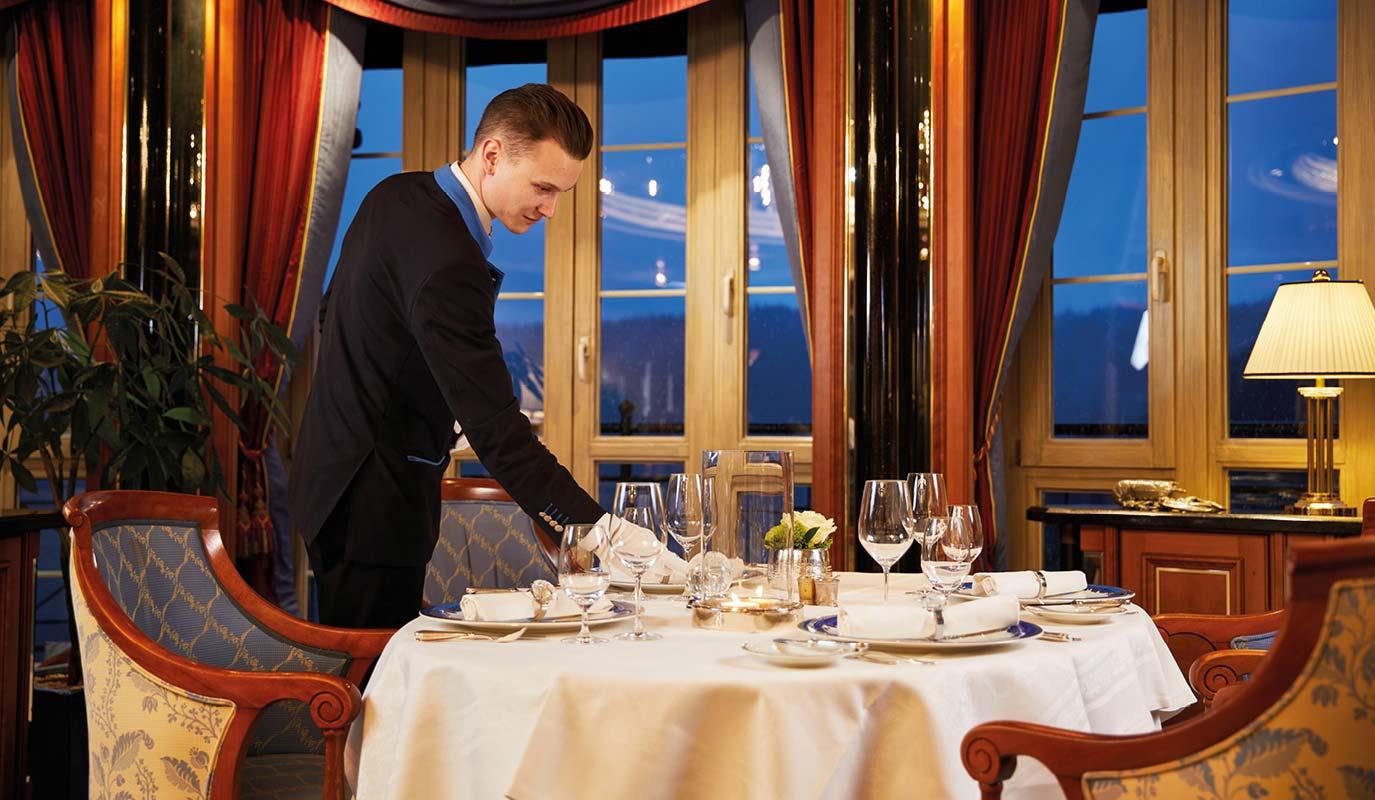Restaurant Marketing - Gourmet Restaurant - Le Pavillion - tischdecken